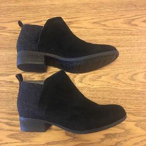 Toms deia black grey suede felt ankle boots 7 NWOT